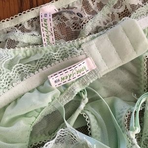 6183914fe5a2b Madewell Intimates   Sleepwear - HONEYDEW x MADEWELL Lace Bralette Panty Set  SMALL